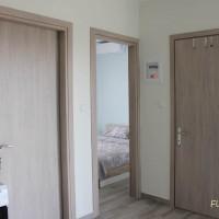 Поглед към стаите и банята